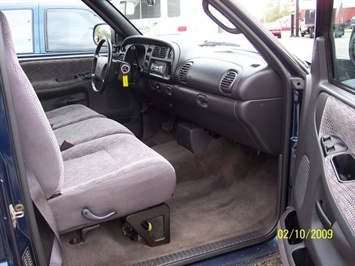 2001 Dodge Ram 1500 SLT - Photo 13 - Angola, IN 46703