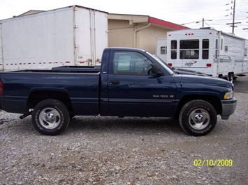 2001 Dodge Ram 1500 SLT - Photo 3 - Angola, IN 46703