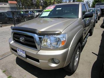 2005 Toyota Tacoma V6 Truck