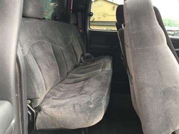 2002 Chevrolet Silverado 2500 LS 4dr Extended Cab - Photo 15 - Cincinnati, OH 45255