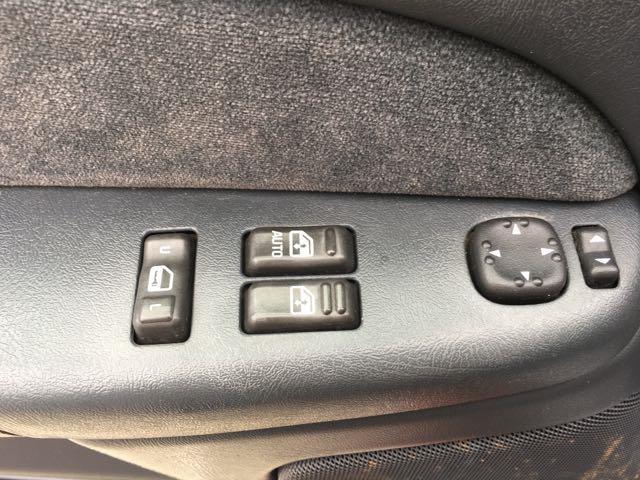 2002 Chevrolet Silverado 2500 LS 4dr Extended Cab - Photo 21 - Cincinnati, OH 45255
