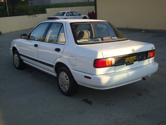 1994 nissan sentra xe for sale in cincinnati oh stock p1336. Black Bedroom Furniture Sets. Home Design Ideas
