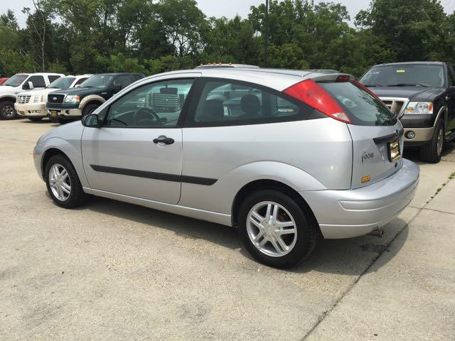 2003 Ford Focus ZX3 - Photo 4 - Cincinnati, OH 45255