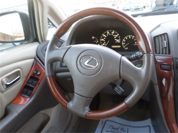 2003 Lexus RX 300 - Photo 19 - Cincinnati, OH 45255