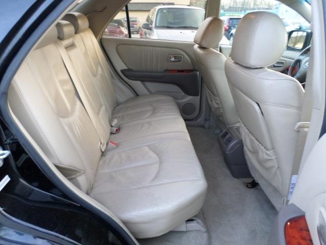 2003 Lexus RX 300 - Photo 9 - Cincinnati, OH 45255