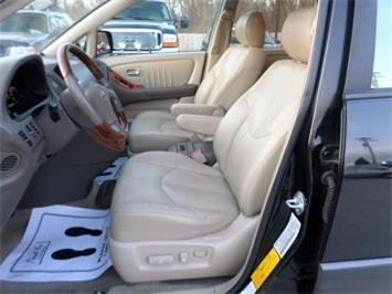 2003 Lexus RX 300 - Photo 14 - Cincinnati, OH 45255