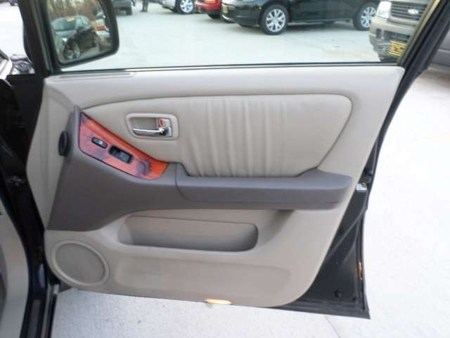 2003 Lexus RX 300 - Photo 24 - Cincinnati, OH 45255