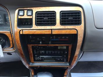 1996 Toyota 4Runner SR5 - Photo 18 - Cincinnati, OH 45255
