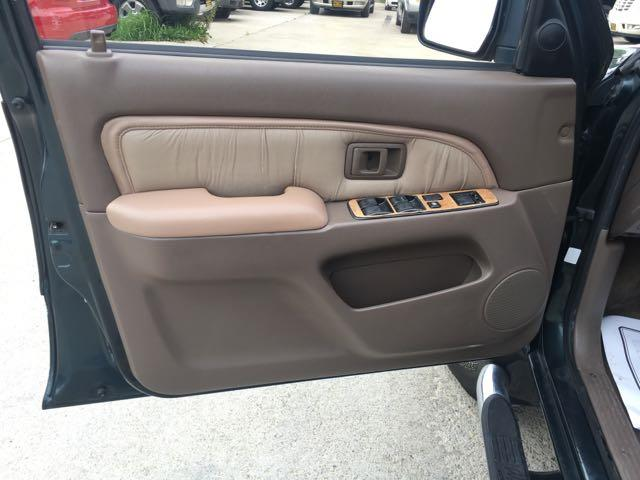 1996 Toyota 4Runner SR5 - Photo 20 - Cincinnati, OH 45255