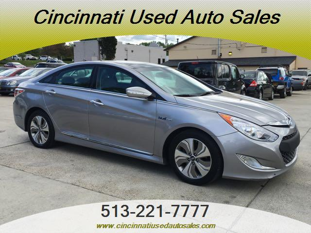 2013 Hyundai Sonata Hybrid Limited - Photo 1 - Cincinnati, OH 45255