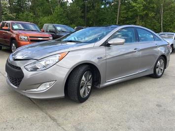 2013 Hyundai Sonata Hybrid Limited - Photo 11 - Cincinnati, OH 45255