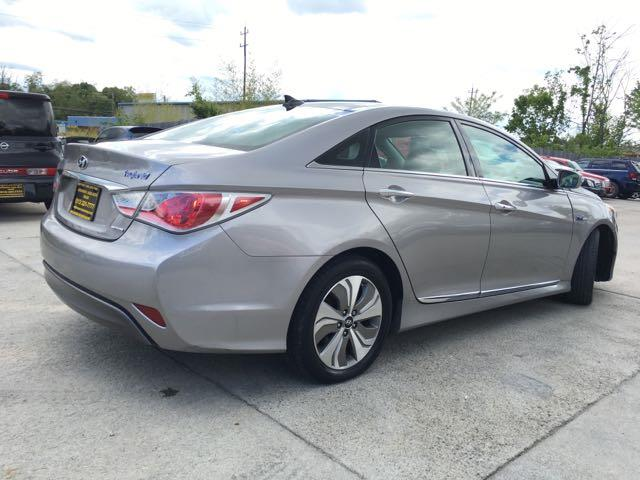 2013 Hyundai Sonata Hybrid Limited - Photo 13 - Cincinnati, OH 45255