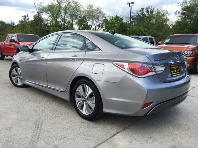 2013 Hyundai Sonata Hybrid Limited - Photo 12 - Cincinnati, OH 45255
