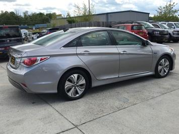 2013 Hyundai Sonata Hybrid Limited - Photo 6 - Cincinnati, OH 45255