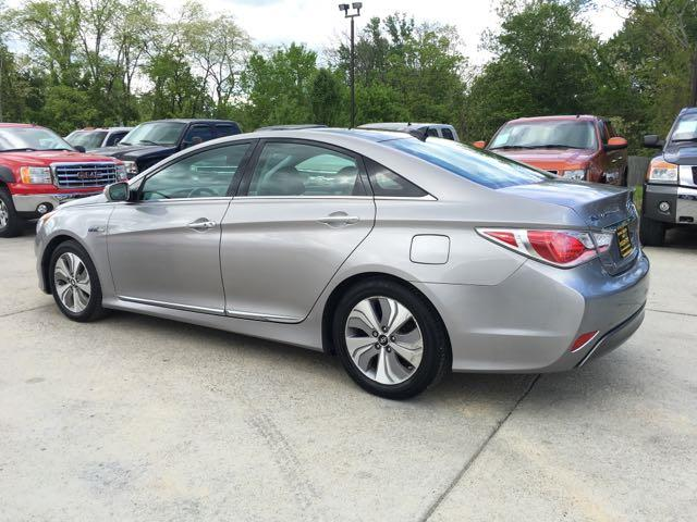 2013 Hyundai Sonata Hybrid Limited - Photo 4 - Cincinnati, OH 45255
