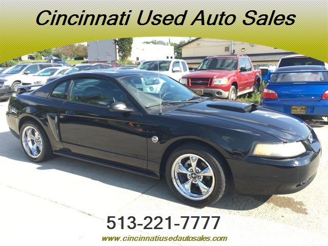 2004 Ford Mustang GT Deluxe - Photo 1 - Cincinnati, OH 45255