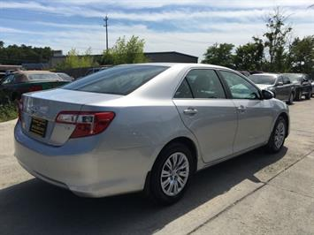 2012 Toyota Camry LE - Photo 6 - Cincinnati, OH 45255