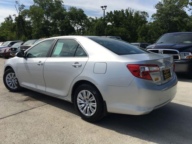 2012 Toyota Camry LE - Photo 12 - Cincinnati, OH 45255