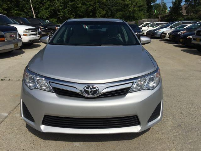 2012 Toyota Camry LE - Photo 2 - Cincinnati, OH 45255