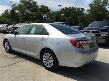 2012 Toyota Camry LE - Photo 4 - Cincinnati, OH 45255