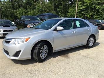 2012 Toyota Camry LE - Photo 11 - Cincinnati, OH 45255