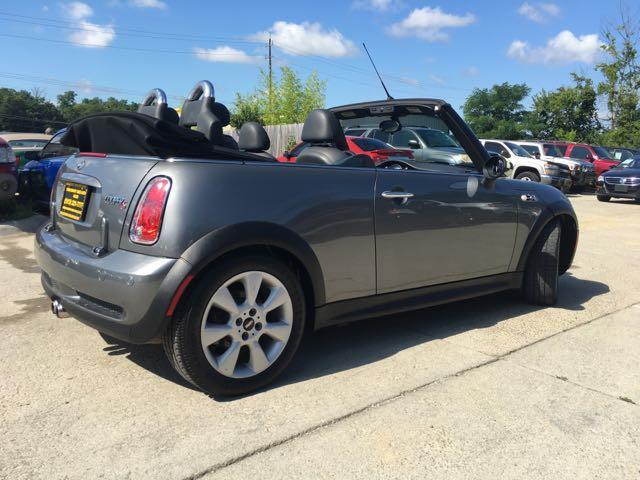 2006 Mini Cooper S - Photo 13 - Cincinnati, OH 45255