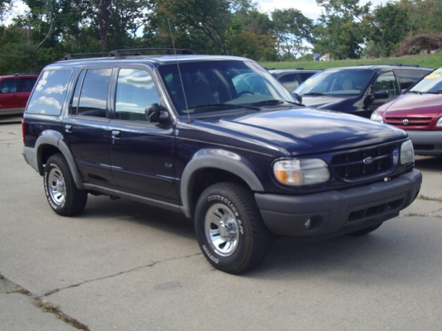 2000 ford explorer xls for sale in cincinnati oh stock p1318. Black Bedroom Furniture Sets. Home Design Ideas