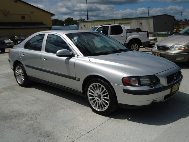 2002 volvo s60 2 4t for sale in cincinnati oh stock. Black Bedroom Furniture Sets. Home Design Ideas