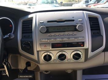 2005 Toyota Tacoma V6 4dr Double Cab - Photo 17 - Cincinnati, OH 45255