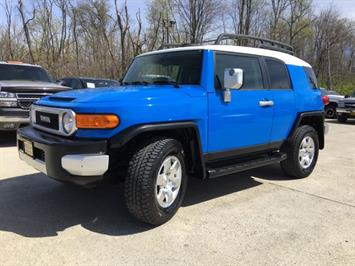 2007 Toyota FJ Cruiser 4dr SUV - Photo 11 - Cincinnati, OH 45255