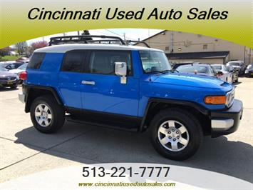 2007 Toyota FJ Cruiser 4dr SUV - Photo 1 - Cincinnati, OH 45255