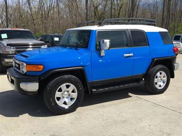 2007 Toyota FJ Cruiser 4dr SUV - Photo 3 - Cincinnati, OH 45255