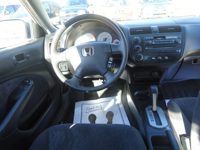 2001 Honda Civic LX - Photo 7 - Cincinnati, OH 45255