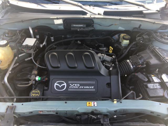 2004 Mazda Tribute ES-V6 - Photo 28 - Cincinnati, OH 45255