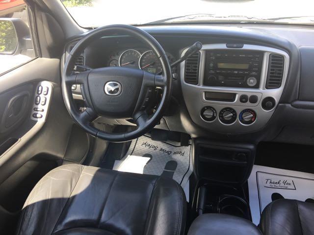 2004 Mazda Tribute ES-V6 - Photo 7 - Cincinnati, OH 45255