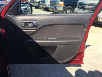 2006 Ford Fusion V6 SEL - Photo 21 - Cincinnati, OH 45255