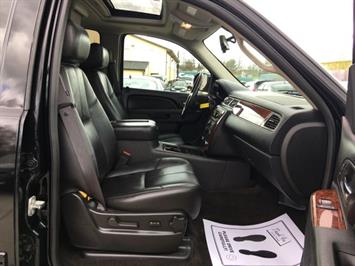 2012 Chevrolet Suburban LT 1500 - Photo 7 - Cincinnati, OH 45255