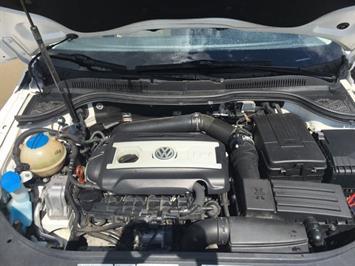 2013 Volkswagen CC Sport Plus PZEV - Photo 33 - Cincinnati, OH 45255