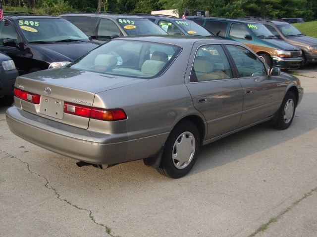 1999 toyota camry ce for sale in cincinnati oh stock p1426. Black Bedroom Furniture Sets. Home Design Ideas