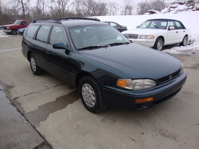 1996 toyota camry le for sale in cincinnati oh stock. Black Bedroom Furniture Sets. Home Design Ideas