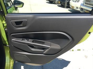2013 Ford Fiesta SE - Photo 27 - Cincinnati, OH 45255