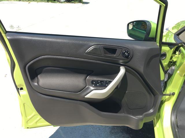 2013 Ford Fiesta SE - Photo 24 - Cincinnati, OH 45255