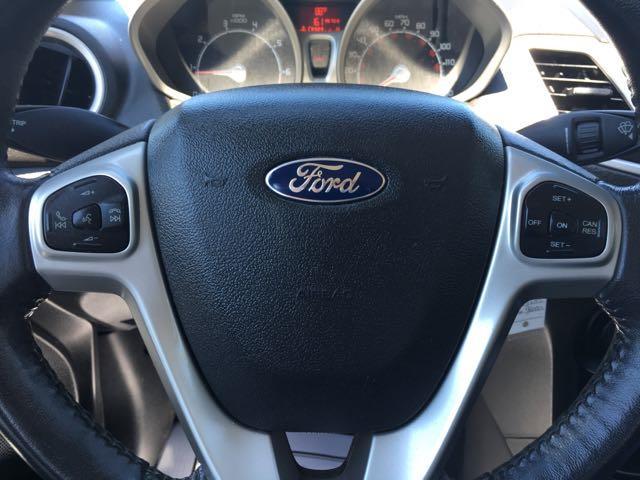2013 Ford Fiesta SE - Photo 17 - Cincinnati, OH 45255