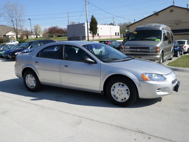 2002 dodge stratus se for sale in cincinnati oh stock. Black Bedroom Furniture Sets. Home Design Ideas