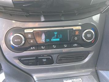 2012 Ford Focus Titanium - Photo 20 - Cincinnati, OH 45255