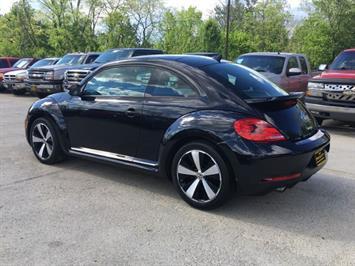 2014 Volkswagen Beetle-Classic R-Line PZEV - Photo 4 - Cincinnati, OH 45255
