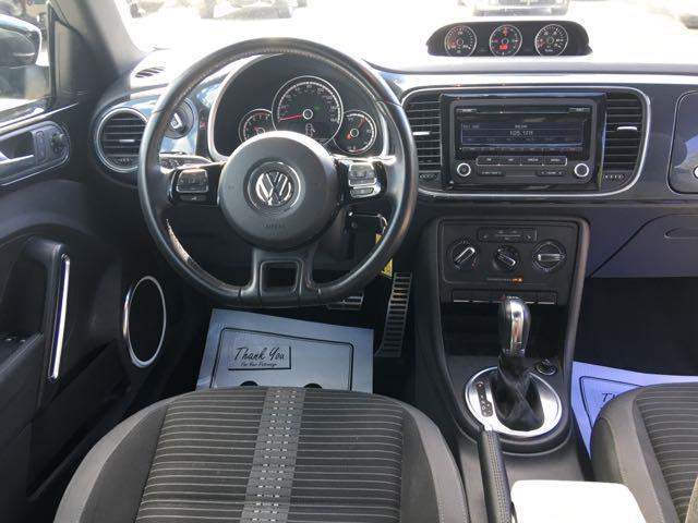 2014 Volkswagen Beetle-Classic R-Line PZEV - Photo 7 - Cincinnati, OH 45255