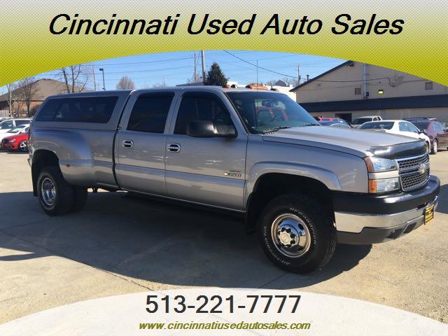 2005 Chevrolet Silverado 3500 LS 4dr Crew Cab - Photo 1 - Cincinnati, OH 45255