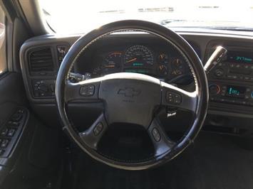 2005 Chevrolet Silverado 3500 LS 4dr Crew Cab - Photo 16 - Cincinnati, OH 45255