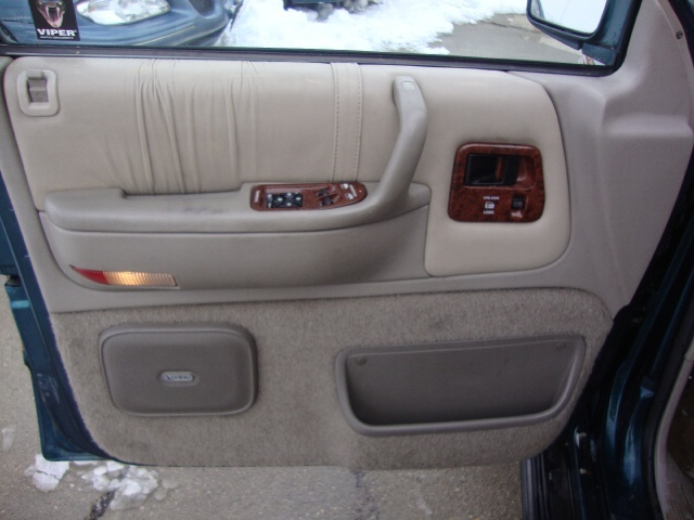 Cincinnati used auto sales llc photos for 1994 chrysler for 2002 chrysler town and country power window problems